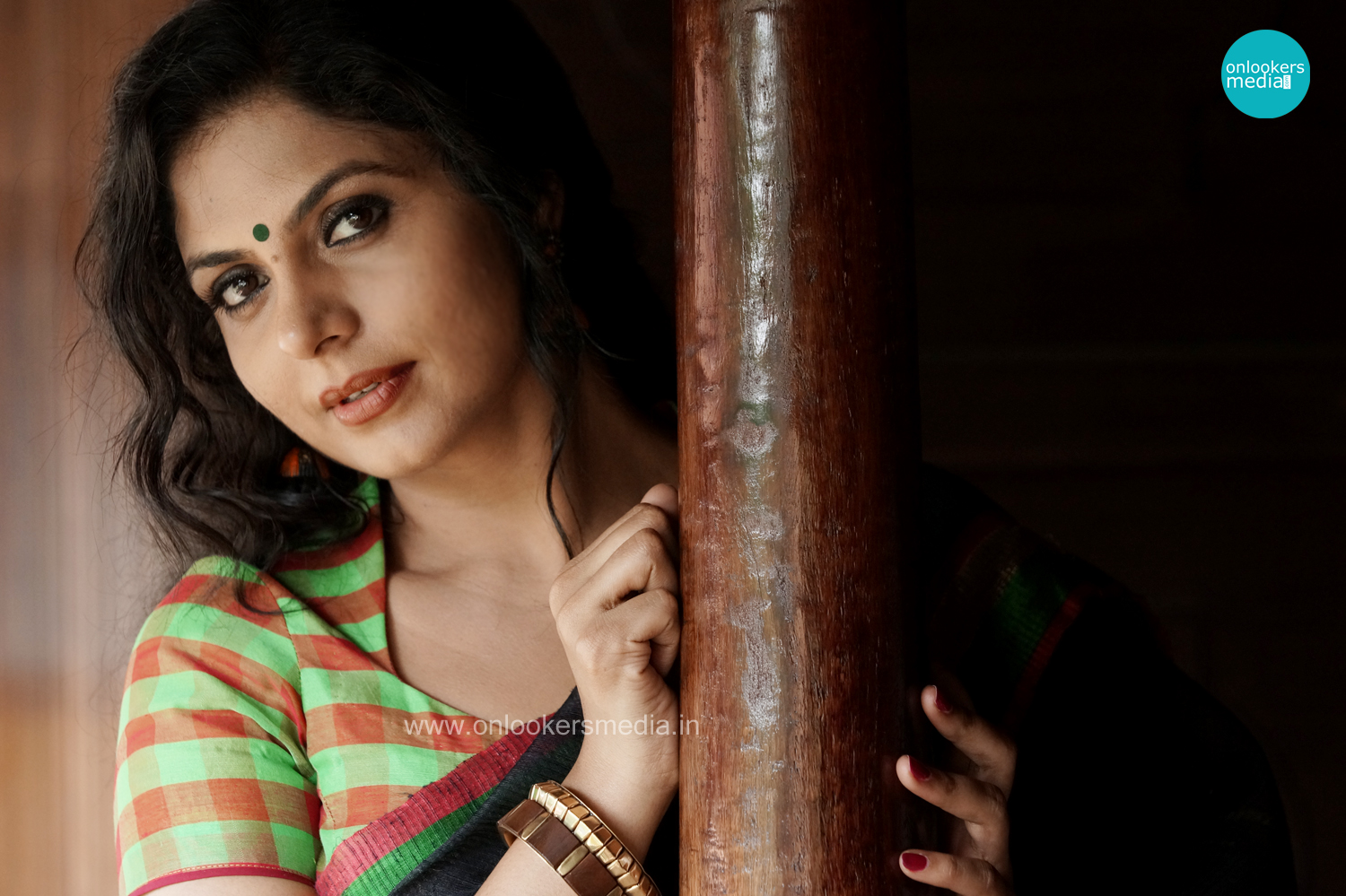 Asha Sharath in Angles Malayalam Movie-Stills-Images-Photos-Onlookers Media