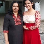 Honey Rose with her mom