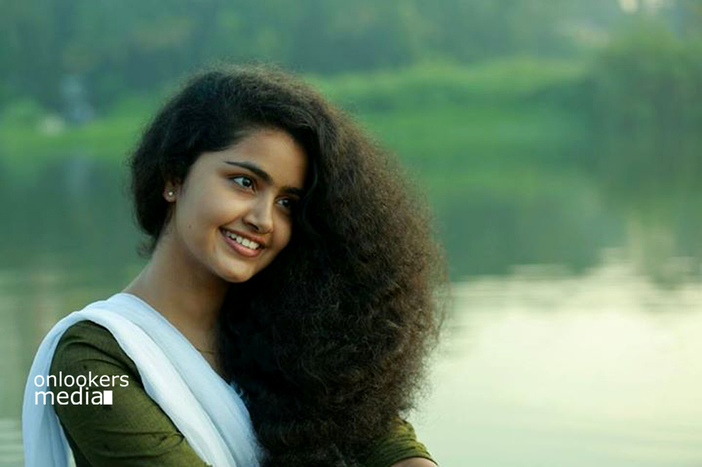 Anupama Parameswaran Stills-Images-Photos-Premam Actress-Onlookers Media