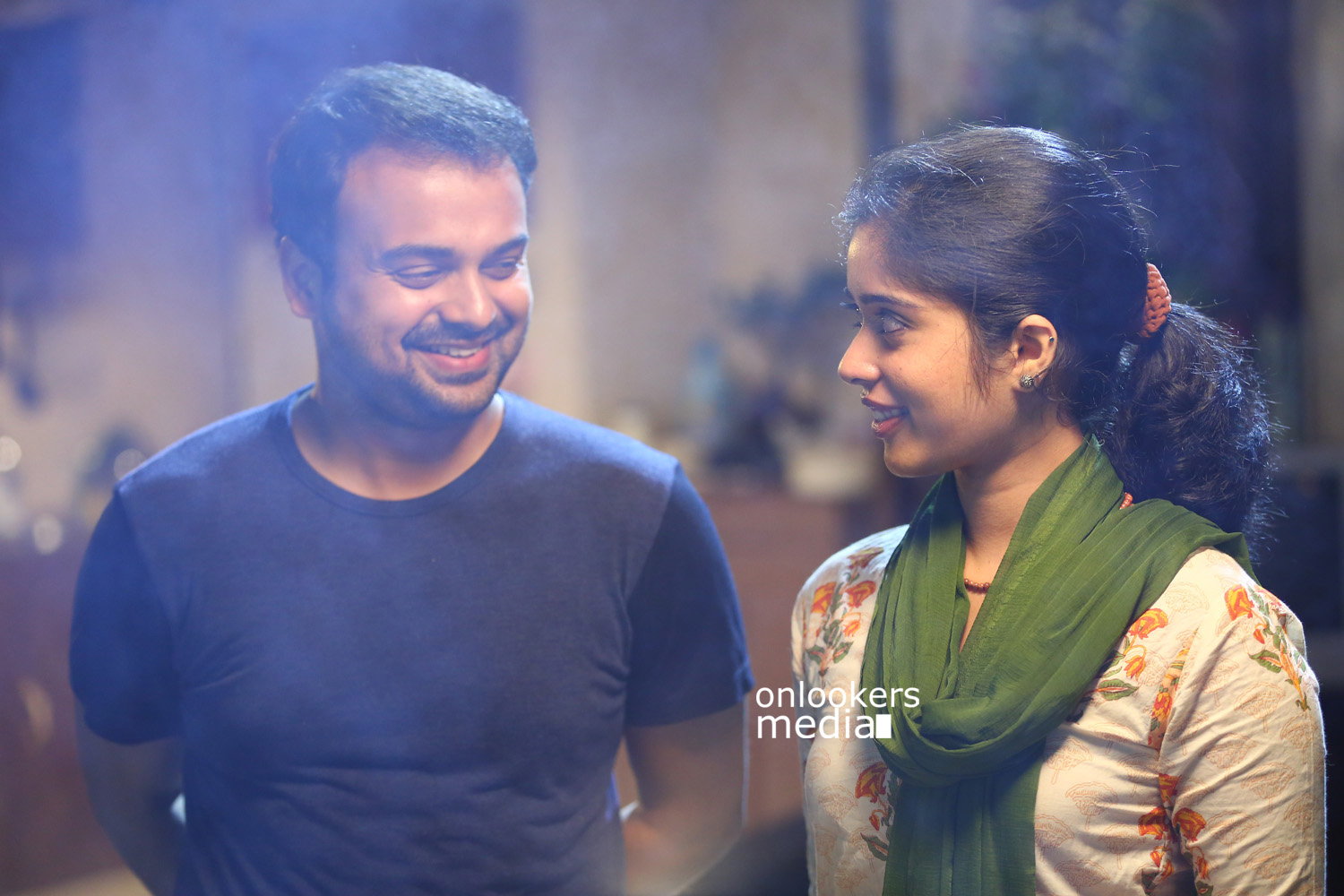 Madhura Naranga Stills-Images-Photos-Malayalam Movie 2015-Kunchacko Boban-Parvathy Ratheesh-Neeraj Madhav-Biju Menon-Onlookers Media