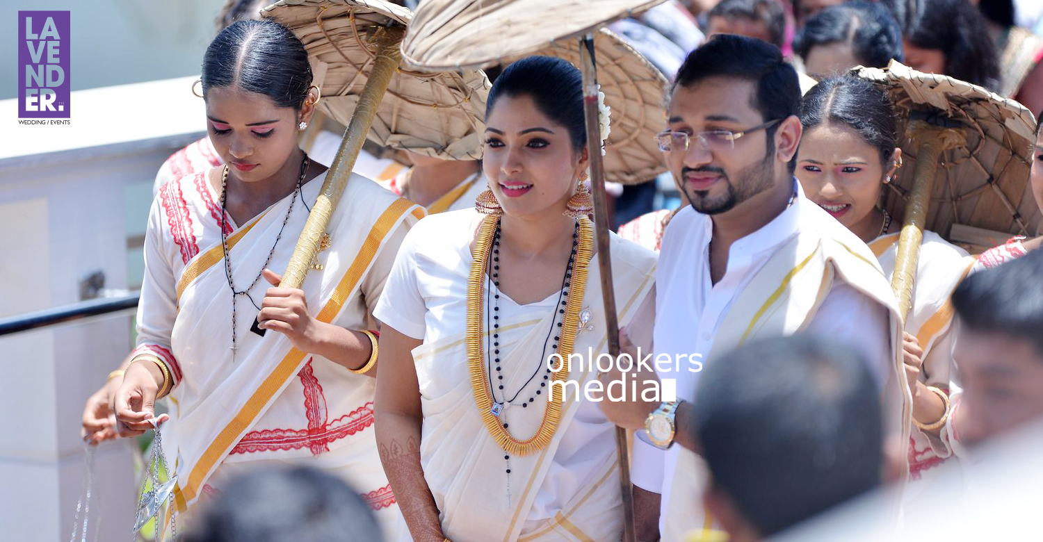 Actress Muktha got married to Rinku Tomi