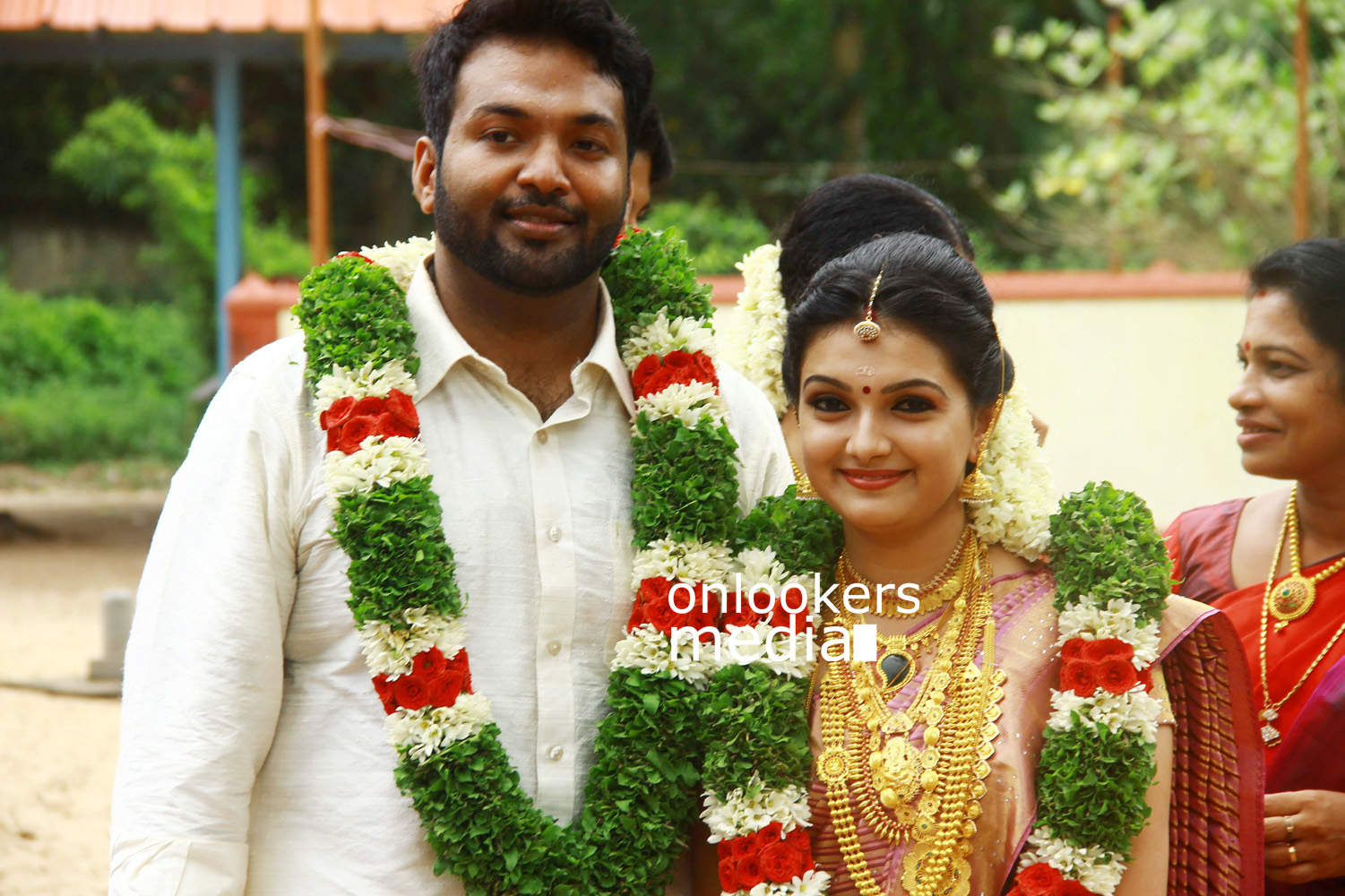 Saranya Mohan Wedding Stills-Photos