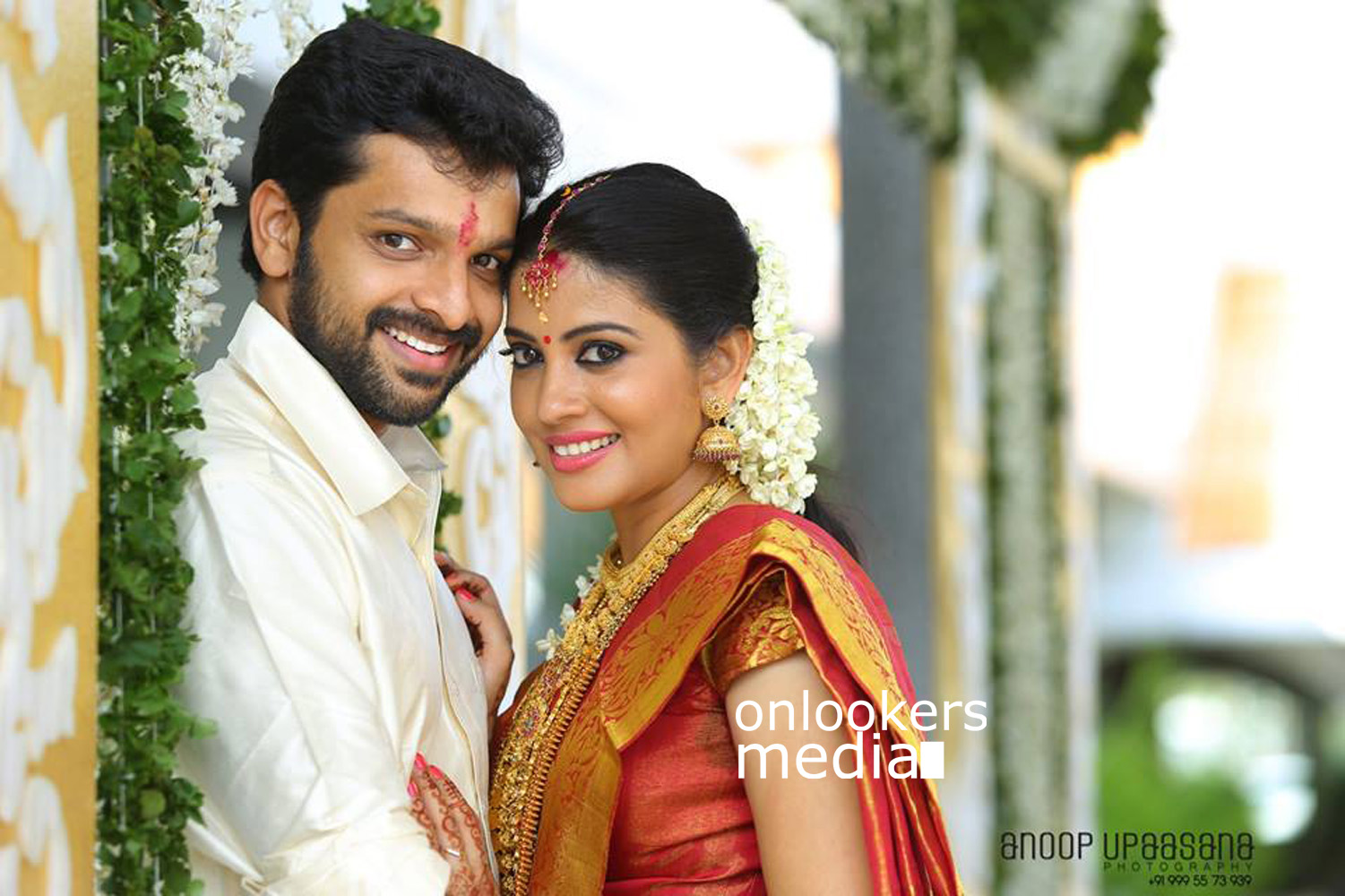 Shivada Nair, Murali Krishnan, Shivada Nair wedding stills, su su sudhi actress Shivada Nair marriage stills photos, Shivada wedding reception