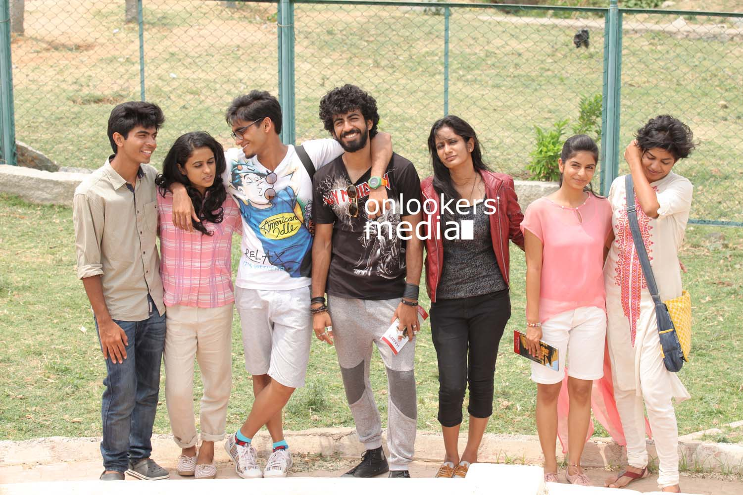 http://onlookersmedia.in/wp-content/uploads/2016/10/Aanandam-Stills-Photos-13.jpg