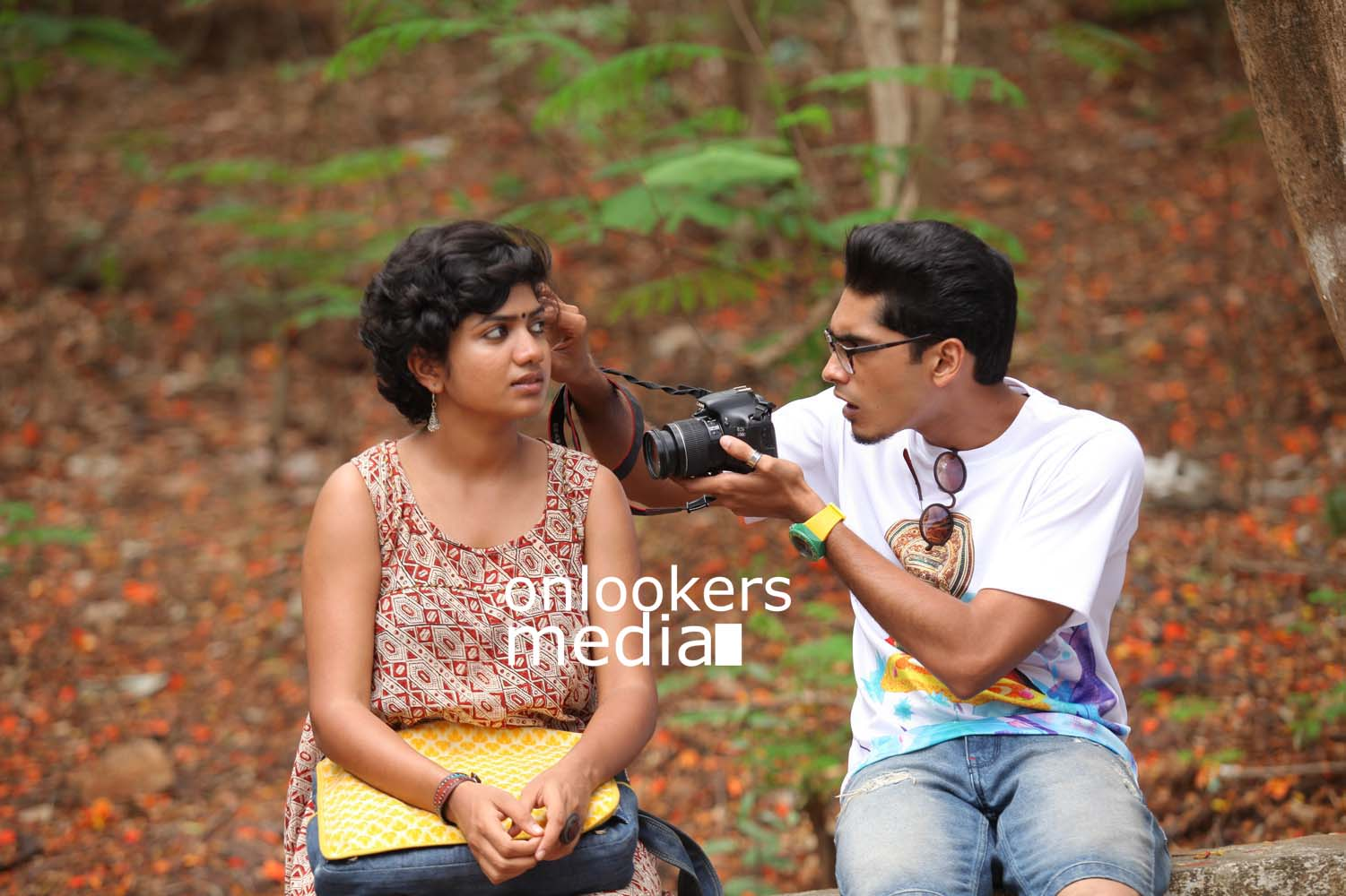 http://onlookersmedia.in/wp-content/uploads/2016/10/Aanandam-Stills-Photos-21.jpg