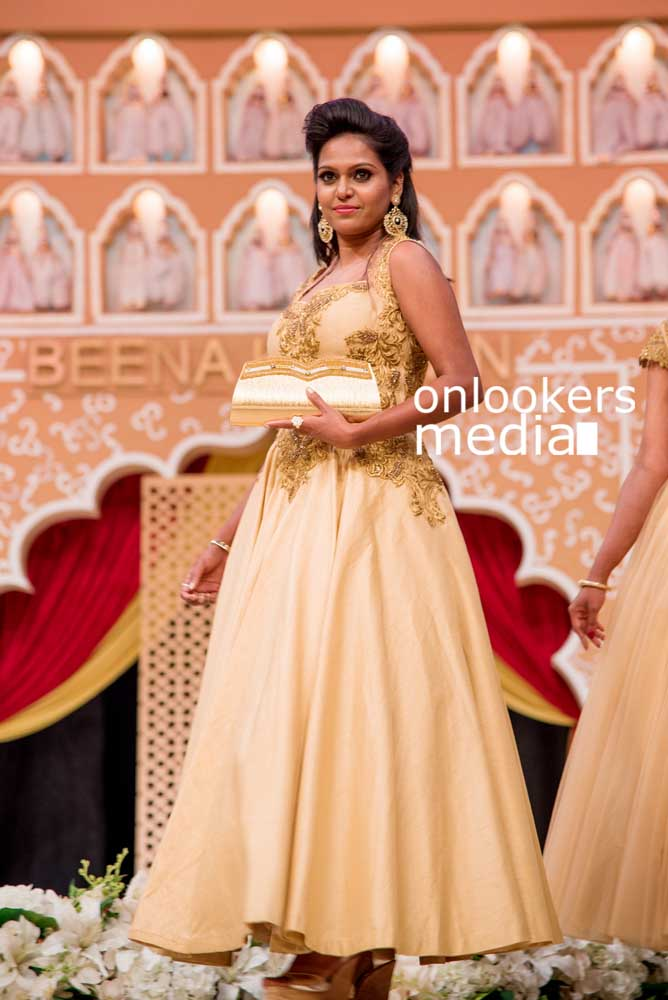 http://onlookersmedia.in/wp-content/uploads/2016/10/Beena-Kannan-Bridal-Show-2016-Stills-Photos-1.jpg