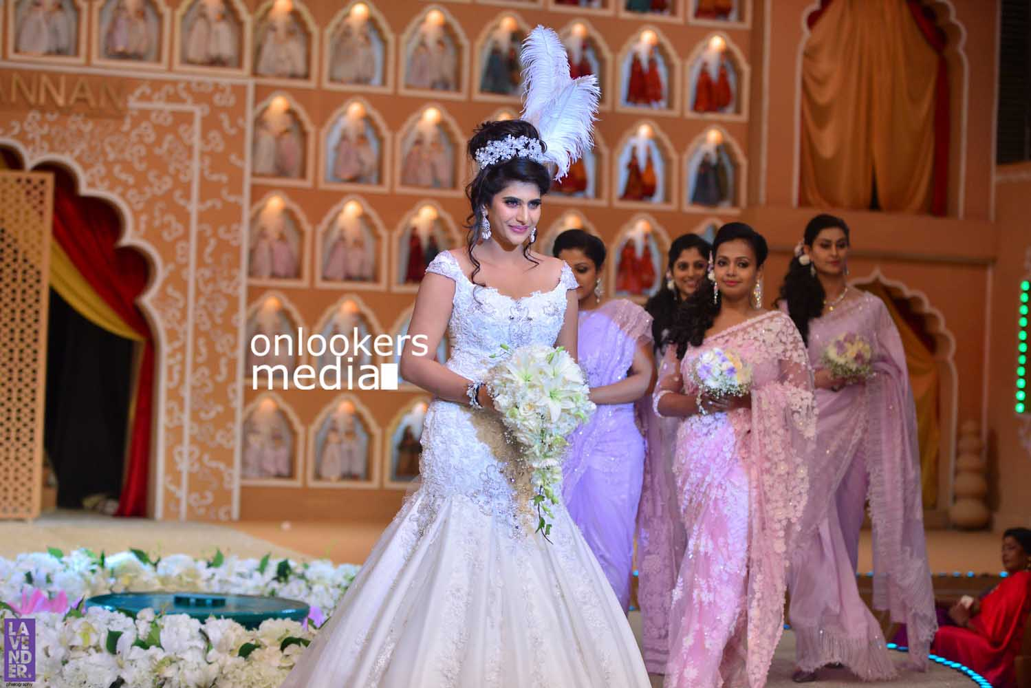 http://onlookersmedia.in/wp-content/uploads/2016/10/Beena-Kannan-Bridal-Show-2016-Stills-Photos-Seematti-110.jpg