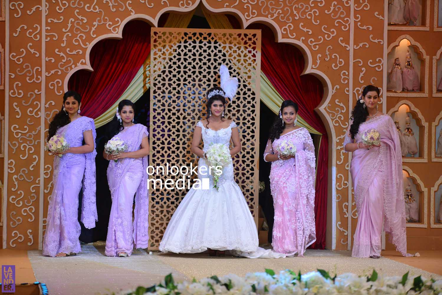 http://onlookersmedia.in/wp-content/uploads/2016/10/Beena-Kannan-Bridal-Show-2016-Stills-Photos-Seematti-113.jpg