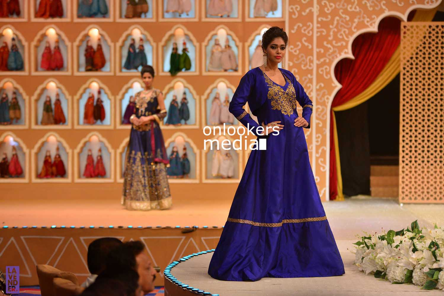 http://onlookersmedia.in/wp-content/uploads/2016/10/Beena-Kannan-Bridal-Show-2016-Stills-Photos-Seematti-130.jpg