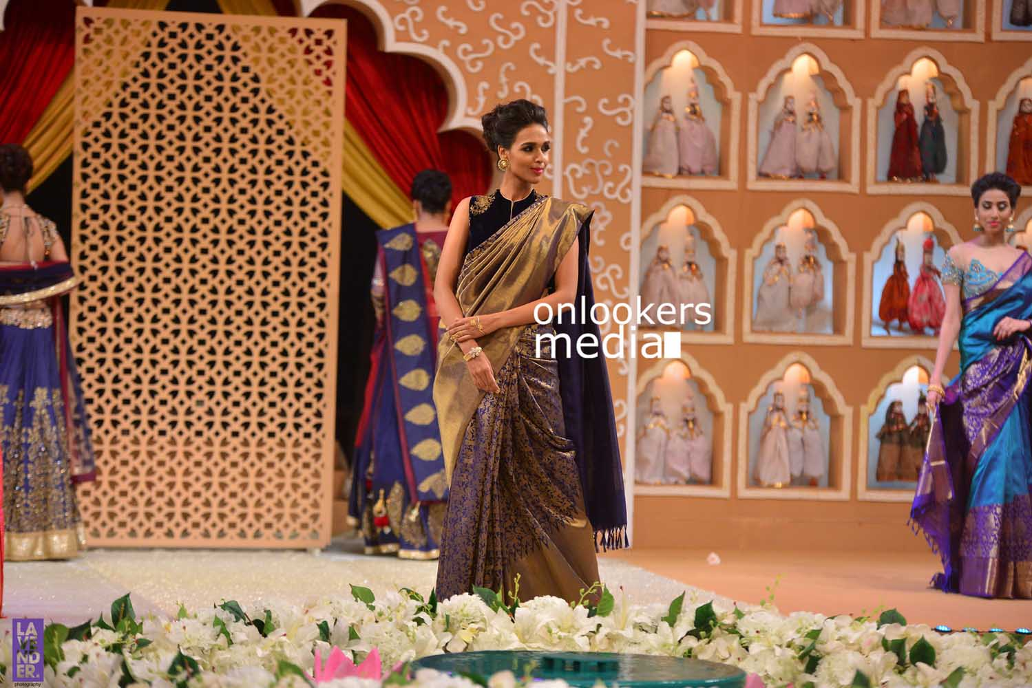 http://onlookersmedia.in/wp-content/uploads/2016/10/Beena-Kannan-Bridal-Show-2016-Stills-Photos-Seematti-148.jpg