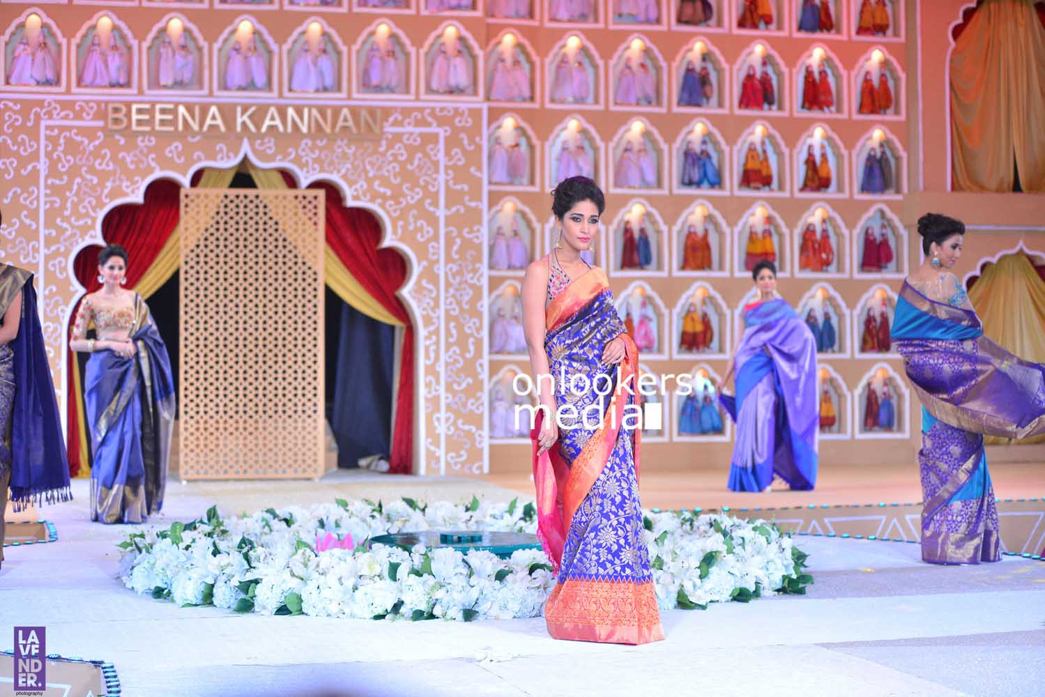 http://onlookersmedia.in/wp-content/uploads/2016/10/Beena-Kannan-Bridal-Show-2016-Stills-Photos-Seematti-154.jpg