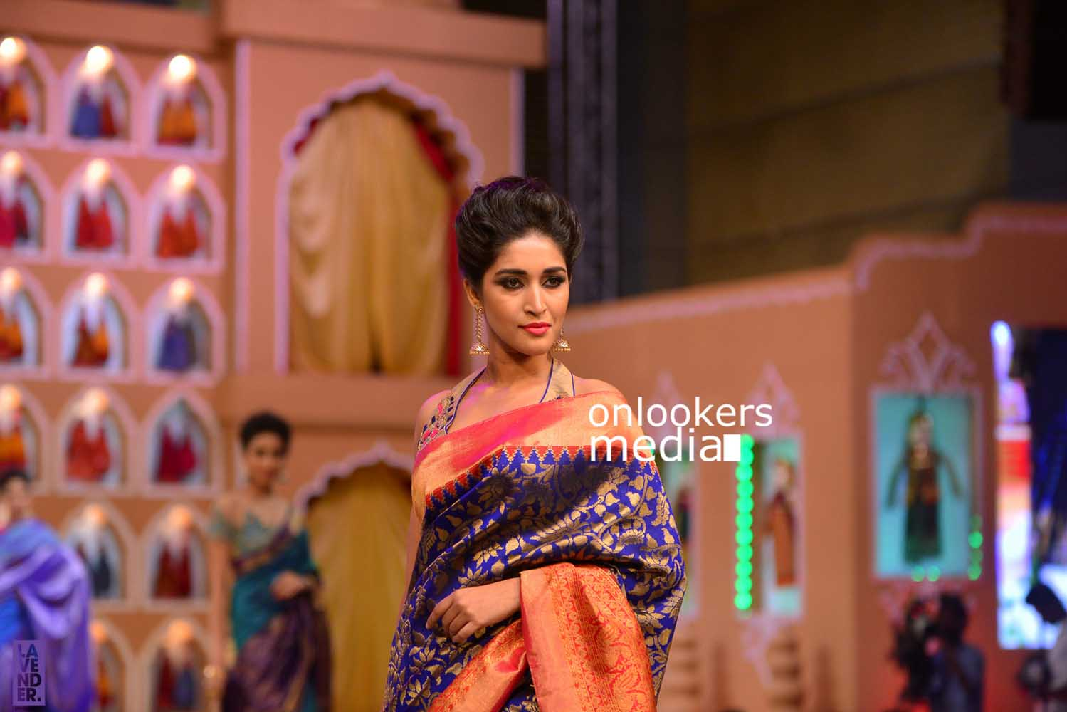 http://onlookersmedia.in/wp-content/uploads/2016/10/Beena-Kannan-Bridal-Show-2016-Stills-Photos-Seematti-155.jpg