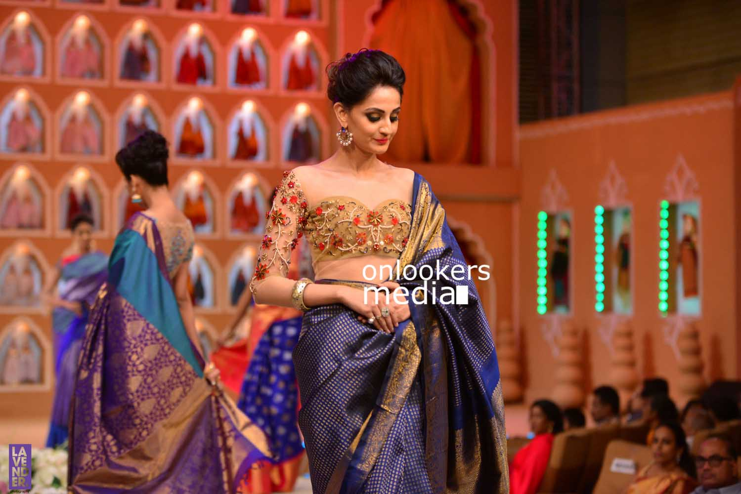 http://onlookersmedia.in/wp-content/uploads/2016/10/Beena-Kannan-Bridal-Show-2016-Stills-Photos-Seematti-162.jpg