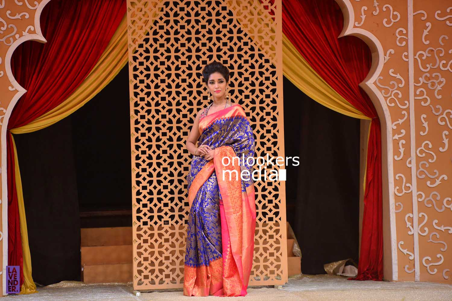 http://onlookersmedia.in/wp-content/uploads/2016/10/Beena-Kannan-Bridal-Show-2016-Stills-Photos-Seematti-165.jpg
