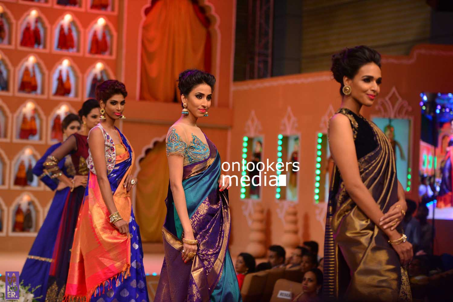 http://onlookersmedia.in/wp-content/uploads/2016/10/Beena-Kannan-Bridal-Show-2016-Stills-Photos-Seematti-177.jpg