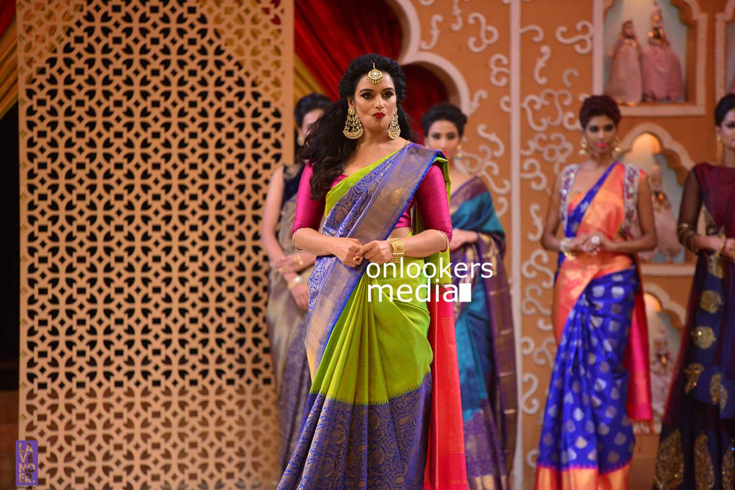 http://onlookersmedia.in/wp-content/uploads/2016/10/Beena-Kannan-Bridal-Show-2016-Stills-Photos-Seematti-187.jpg