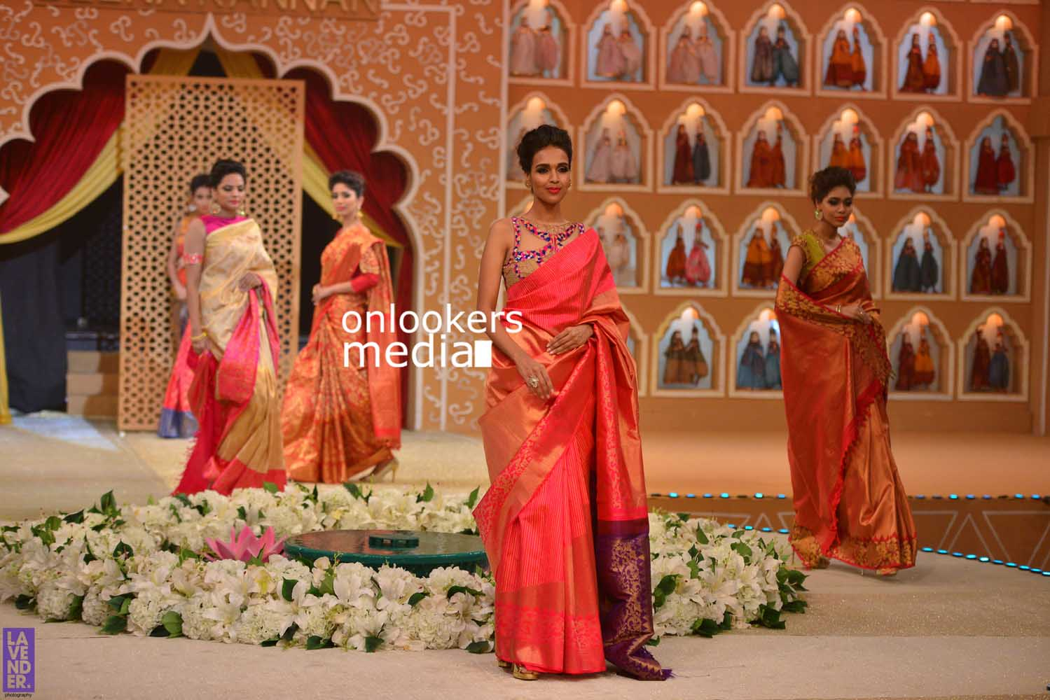 http://onlookersmedia.in/wp-content/uploads/2016/10/Beena-Kannan-Bridal-Show-2016-Stills-Photos-Seematti-199.jpg
