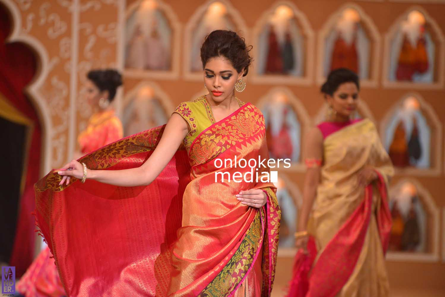 http://onlookersmedia.in/wp-content/uploads/2016/10/Beena-Kannan-Bridal-Show-2016-Stills-Photos-Seematti-203.jpg