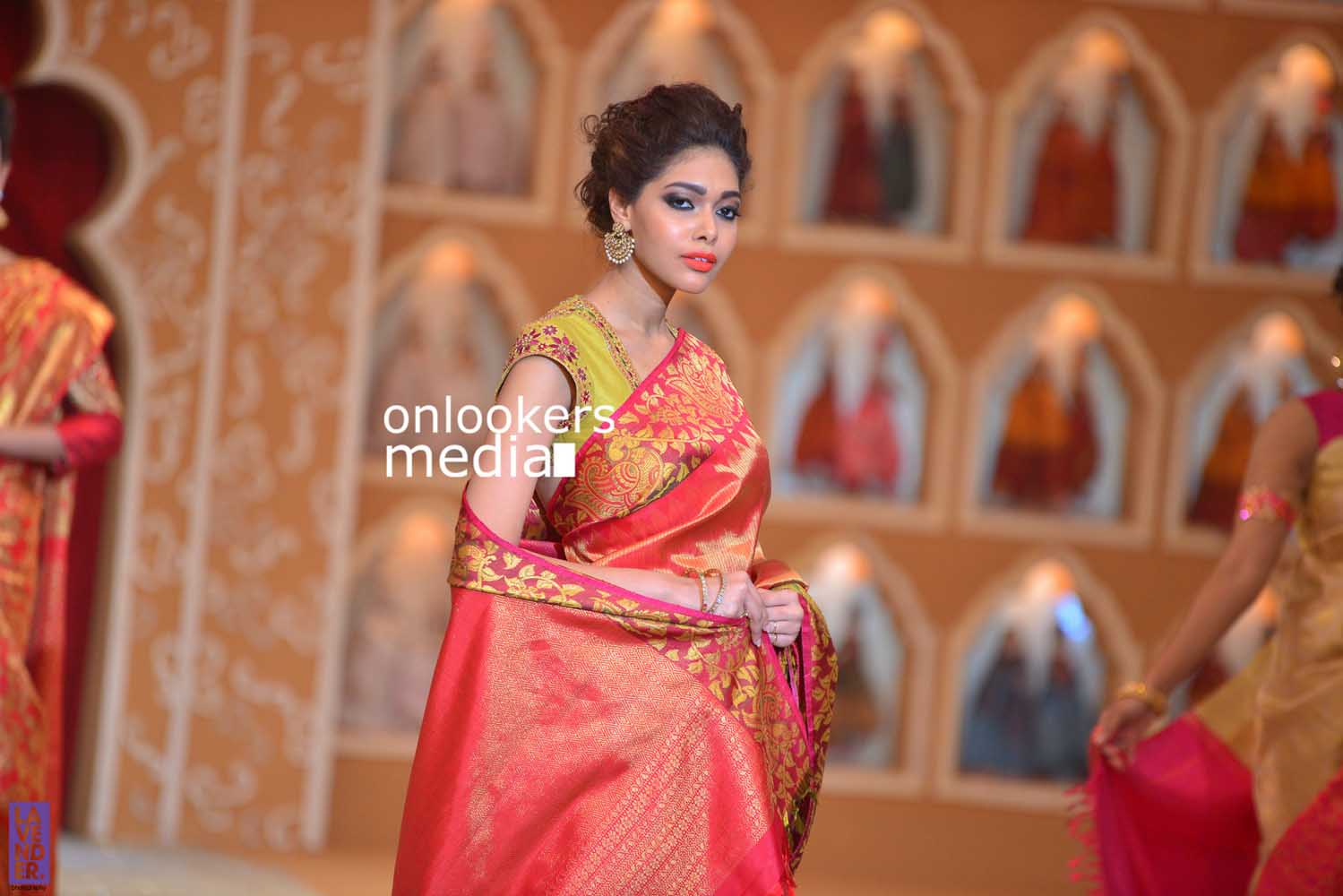 http://onlookersmedia.in/wp-content/uploads/2016/10/Beena-Kannan-Bridal-Show-2016-Stills-Photos-Seematti-204.jpg