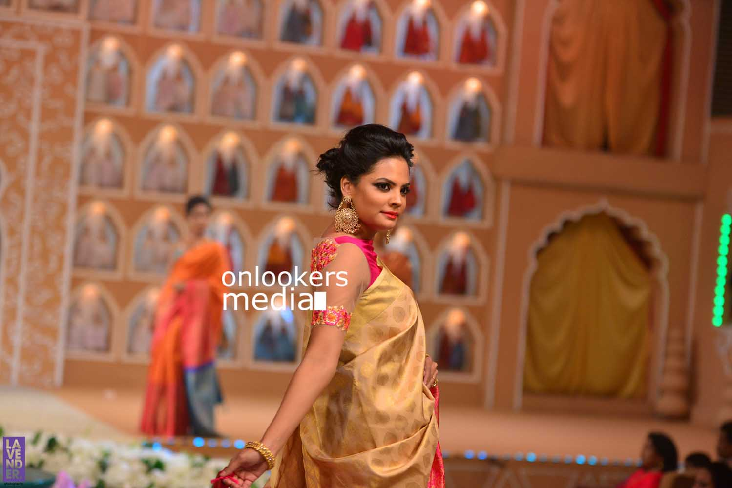 http://onlookersmedia.in/wp-content/uploads/2016/10/Beena-Kannan-Bridal-Show-2016-Stills-Photos-Seematti-209.jpg