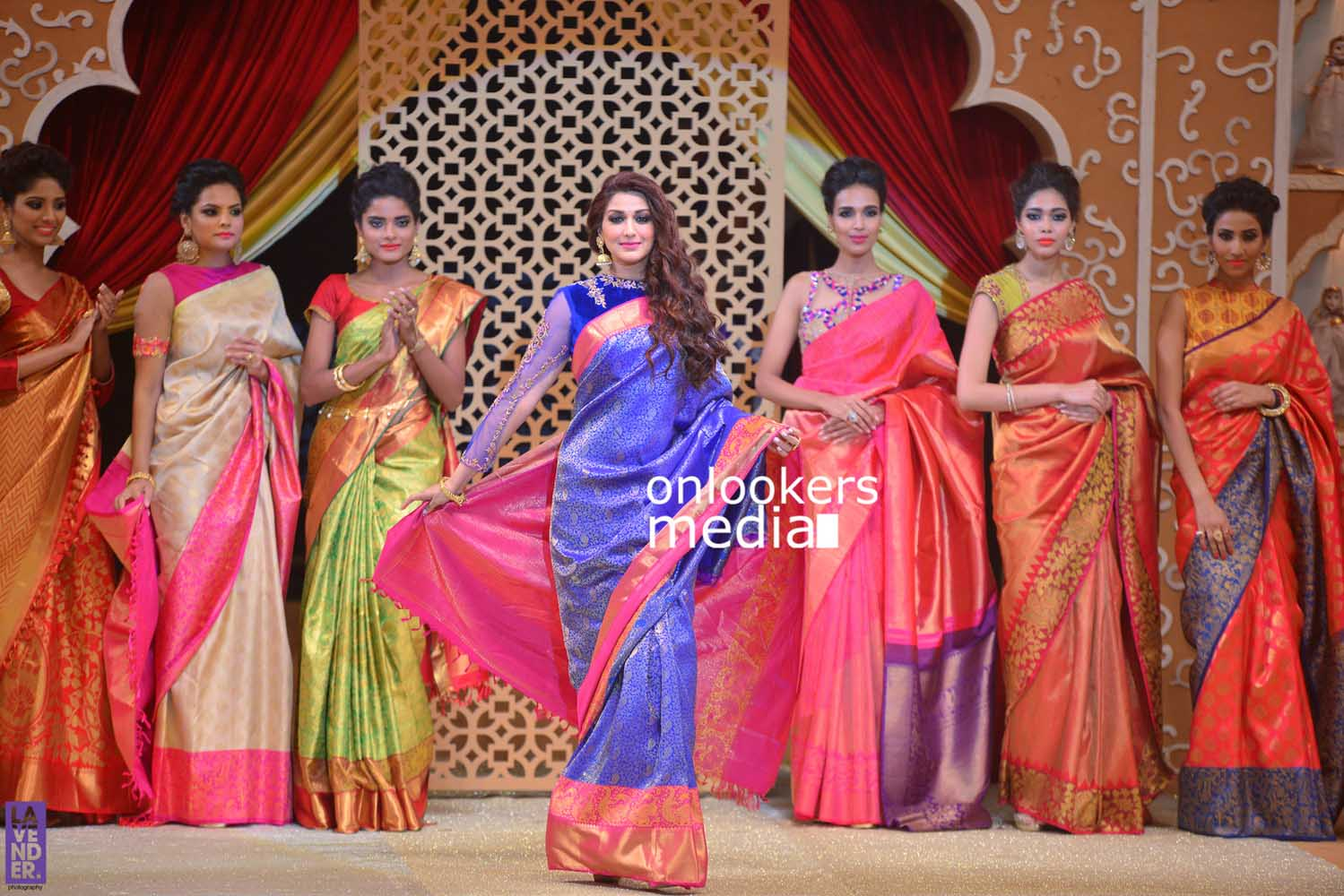 http://onlookersmedia.in/wp-content/uploads/2016/10/Beena-Kannan-Bridal-Show-2016-Stills-Photos-Seematti-226.jpg