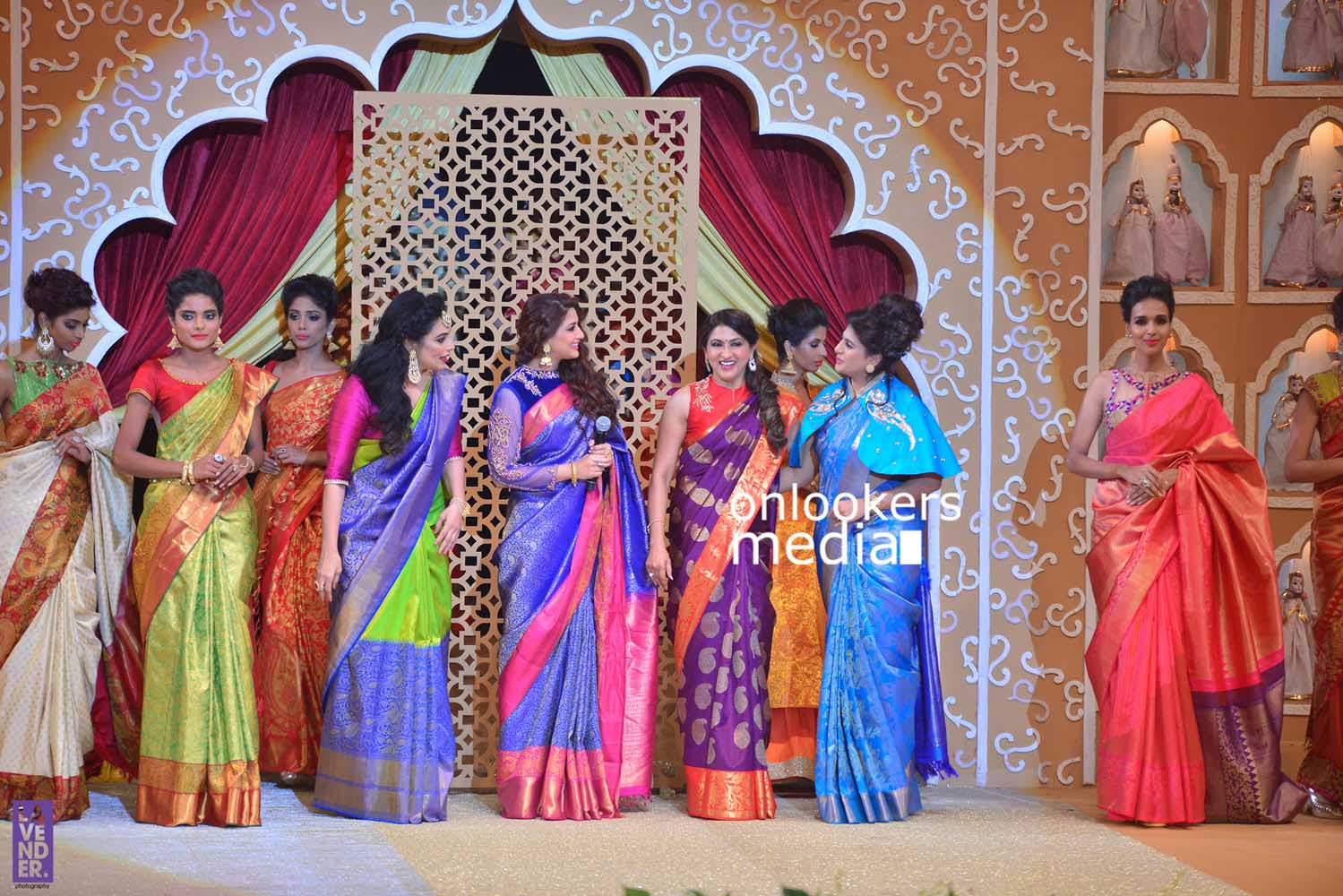 http://onlookersmedia.in/wp-content/uploads/2016/10/Beena-Kannan-Bridal-Show-2016-Stills-Photos-Seematti-240.jpg
