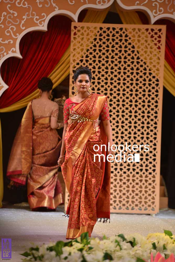 http://onlookersmedia.in/wp-content/uploads/2016/10/Beena-Kannan-Bridal-Show-2016-Stills-Photos-Seematti-31.jpg