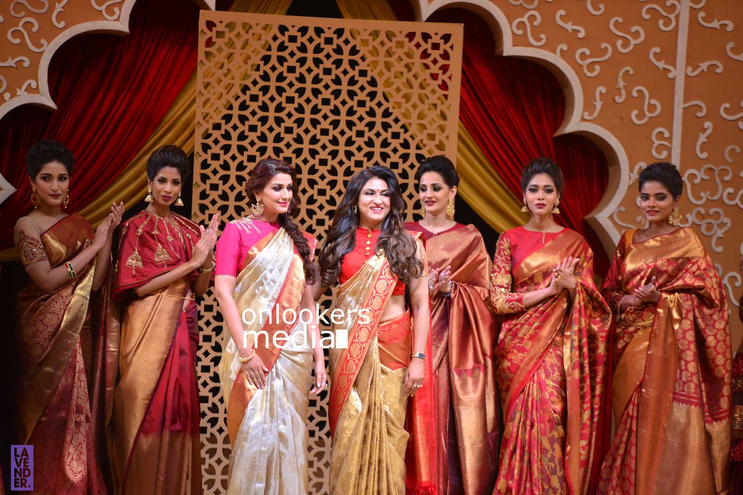 http://onlookersmedia.in/wp-content/uploads/2016/10/Beena-Kannan-Bridal-Show-2016-Stills-Photos-Seematti-35.jpg