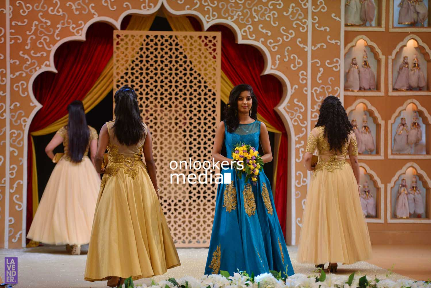 http://onlookersmedia.in/wp-content/uploads/2016/10/Beena-Kannan-Bridal-Show-2016-Stills-Photos-Seematti-59.jpg