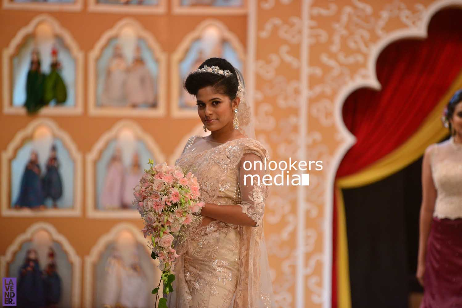 http://onlookersmedia.in/wp-content/uploads/2016/10/Beena-Kannan-Bridal-Show-2016-Stills-Photos-Seematti-77.jpg