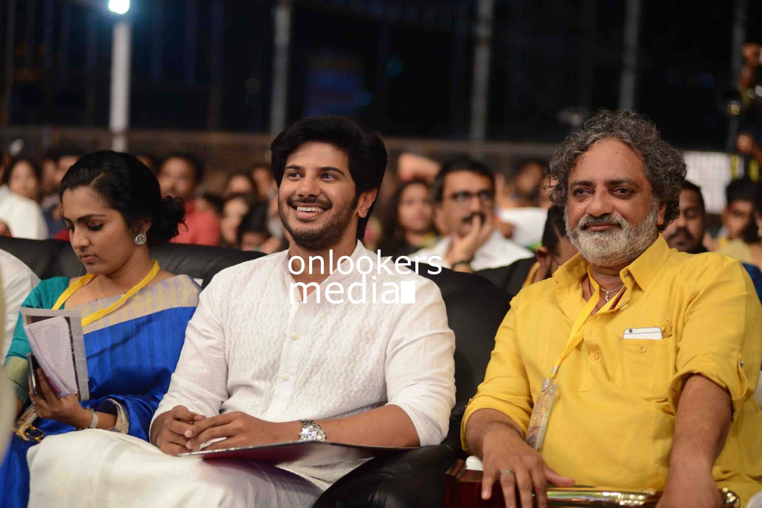 http://onlookersmedia.in/wp-content/uploads/2016/10/Dulquer-Kerala-State-Film-Awards-2015-stills-Photos-1.jpg