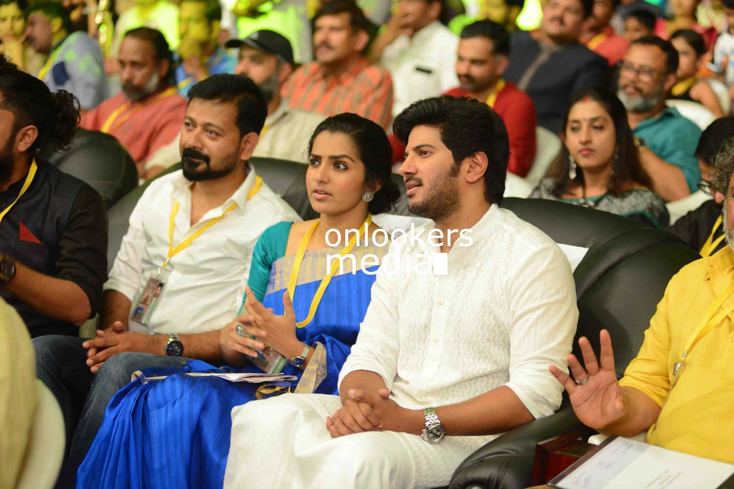 http://onlookersmedia.in/wp-content/uploads/2016/10/Dulquer-Kerala-State-Film-Awards-2015-stills-Photos-4.jpg