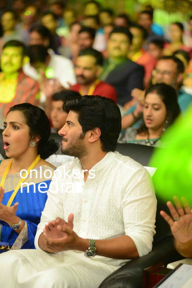 http://onlookersmedia.in/wp-content/uploads/2016/10/Dulquer-Kerala-State-Film-Awards-2015-stills-Photos-5.jpg