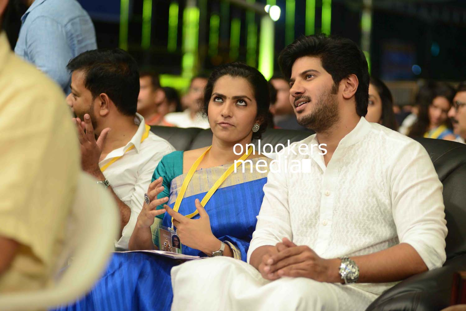 http://onlookersmedia.in/wp-content/uploads/2016/10/Dulquer-Kerala-State-Film-Awards-2015-stills-Photos-6.jpg