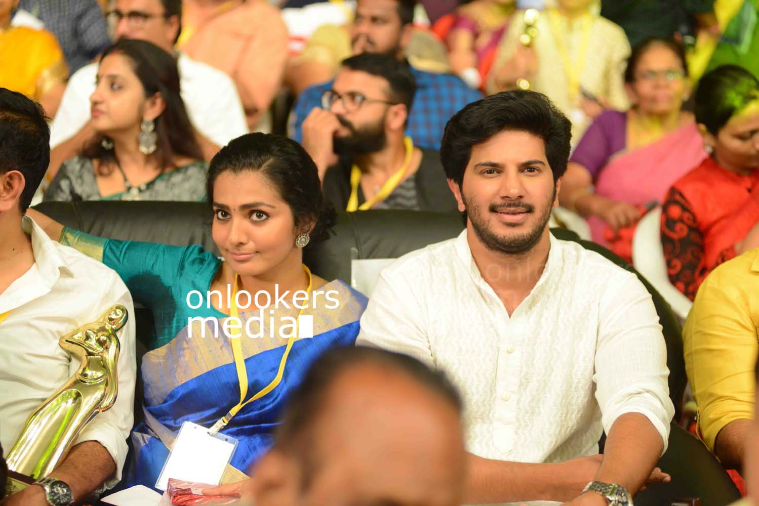 http://onlookersmedia.in/wp-content/uploads/2016/10/Dulquer-Kerala-State-Film-Awards-2015-stills-Photos-7.jpg
