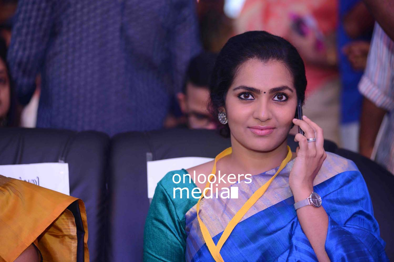 http://onlookersmedia.in/wp-content/uploads/2016/10/Kerala-State-Film-Awards-2015-stills-Photos-10.jpg