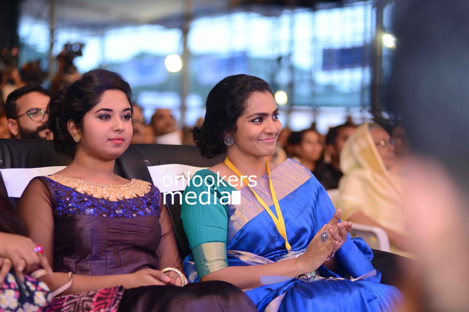 http://onlookersmedia.in/wp-content/uploads/2016/10/Kerala-State-Film-Awards-2015-stills-Photos-21.jpg