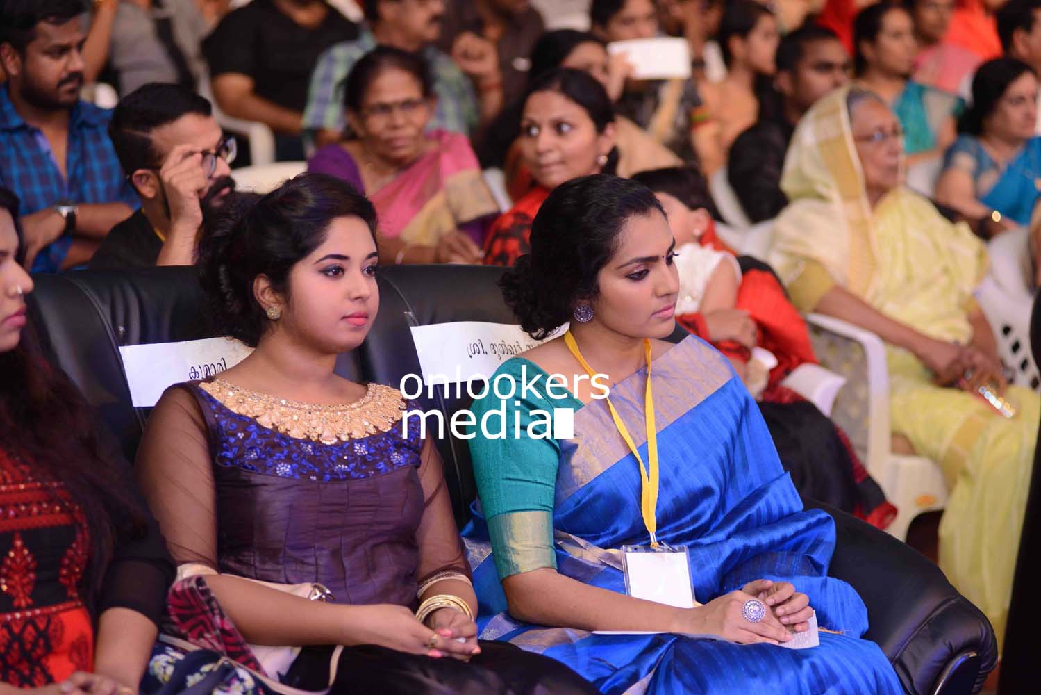 http://onlookersmedia.in/wp-content/uploads/2016/10/Kerala-State-Film-Awards-2015-stills-Photos-23.jpg