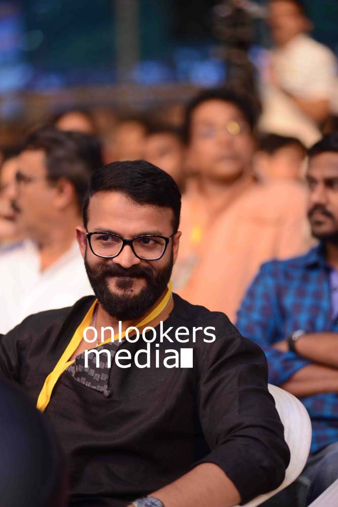 http://onlookersmedia.in/wp-content/uploads/2016/10/Kerala-State-Film-Awards-2015-stills-Photos-24.jpg