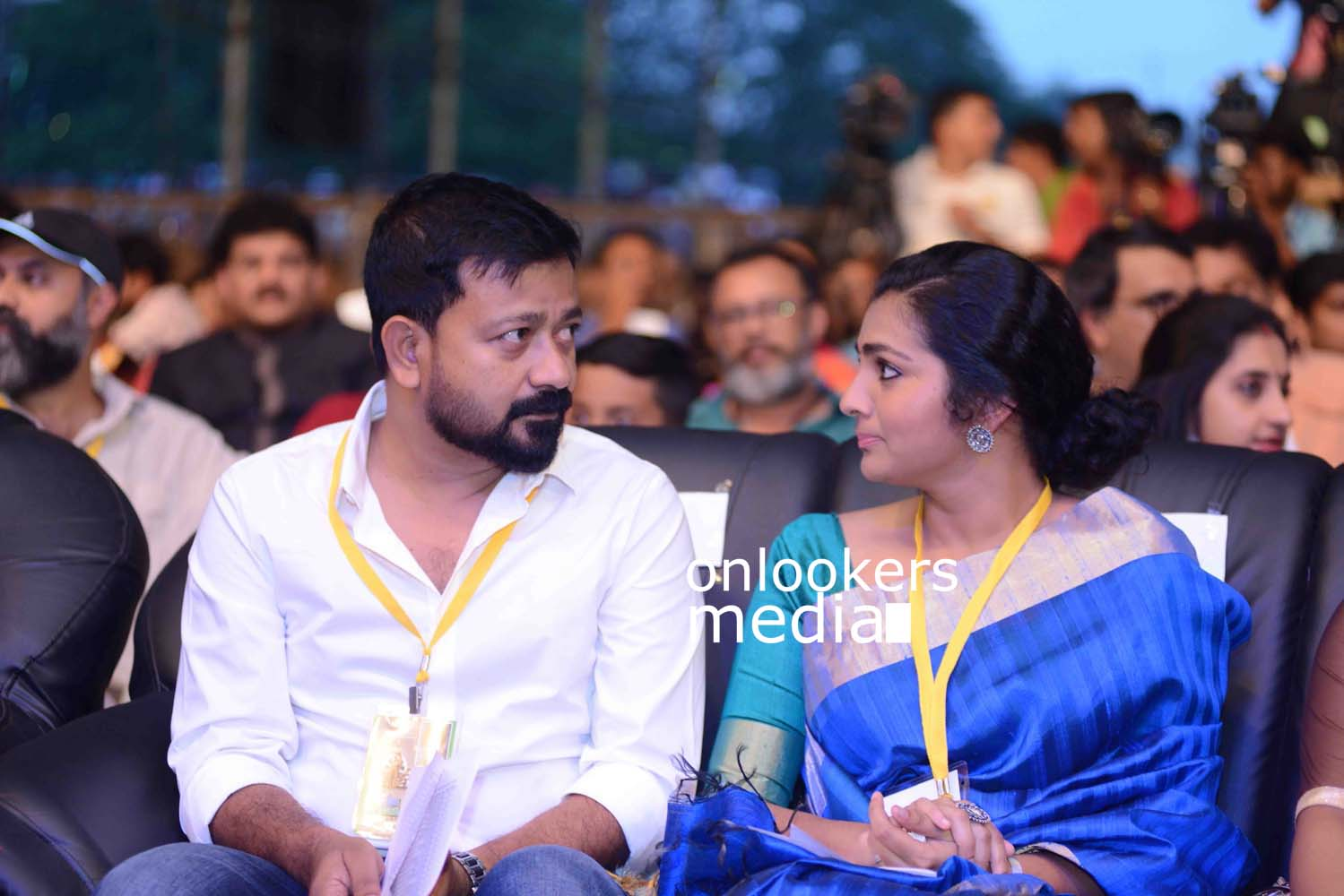 http://onlookersmedia.in/wp-content/uploads/2016/10/Kerala-State-Film-Awards-2015-stills-Photos-27.jpg