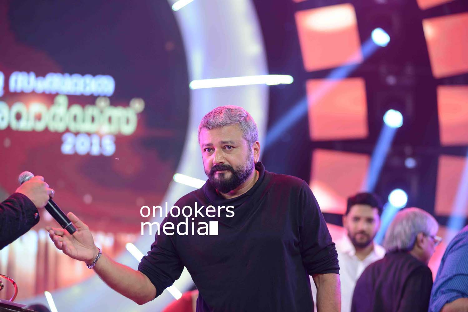 http://onlookersmedia.in/wp-content/uploads/2016/10/Kerala-State-Film-Awards-2015-stills-Photos-36.jpg