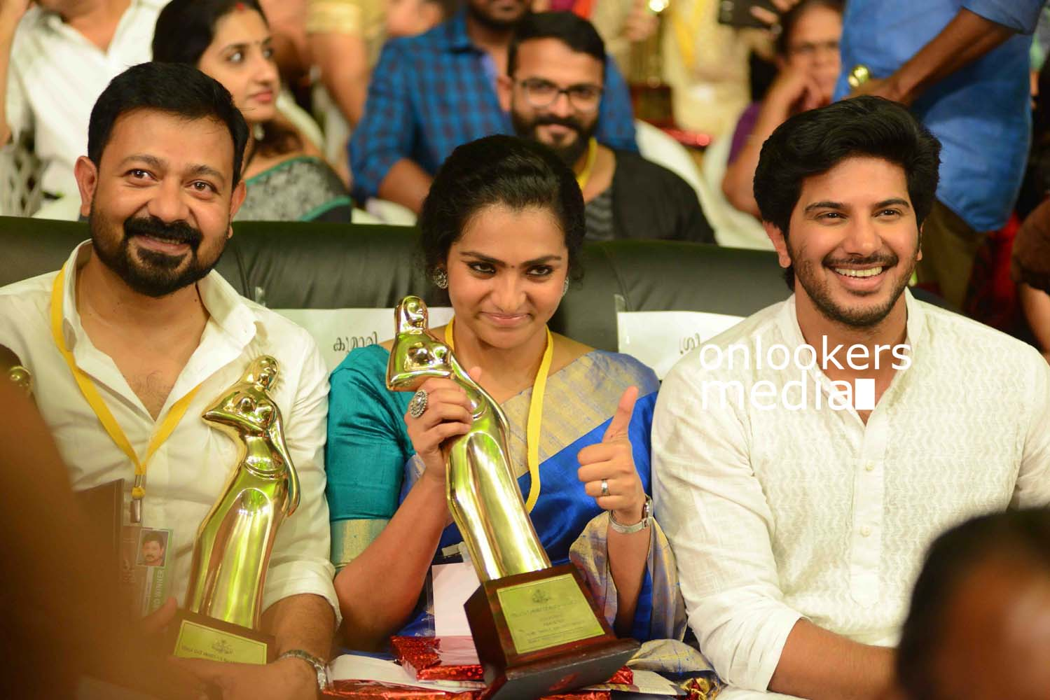 http://onlookersmedia.in/wp-content/uploads/2016/10/Kerala-State-Film-Awards-2015-stills-Photos-54.jpg