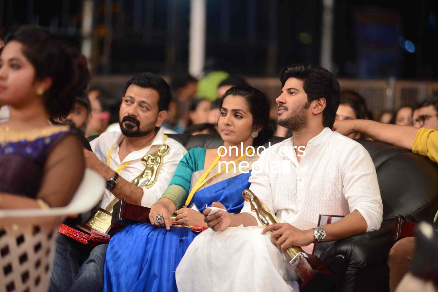 http://onlookersmedia.in/wp-content/uploads/2016/10/Kerala-State-Film-Awards-2015-stills-Photos-62.jpg