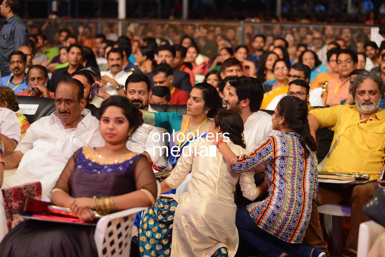 http://onlookersmedia.in/wp-content/uploads/2016/10/Kerala-State-Film-Awards-2015-stills-Photos-71.jpg
