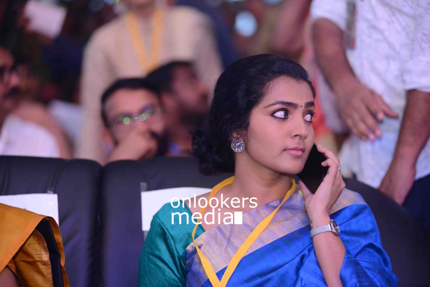 http://onlookersmedia.in/wp-content/uploads/2016/10/Parvathy-at-Kerala-State-Film-Awards-2015-stills-Photos-5.jpg