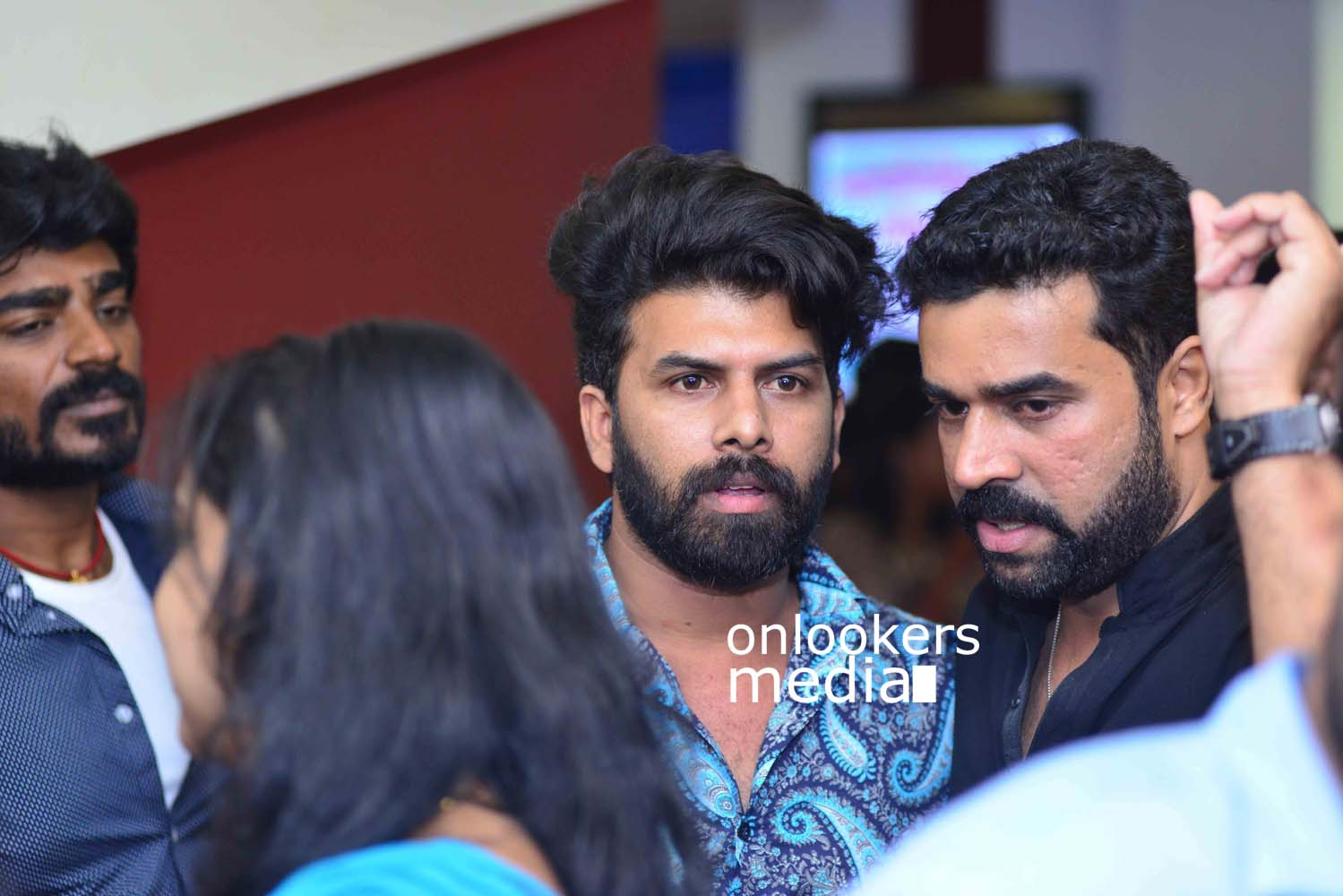 http://onlookersmedia.in/wp-content/uploads/2017/03/Angamaly-Diaries-Preview-Show-Stills-21.jpg