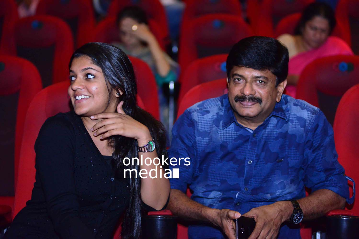 http://onlookersmedia.in/wp-content/uploads/2017/03/Angamaly-Diaries-Preview-Show-Stills-24.jpg