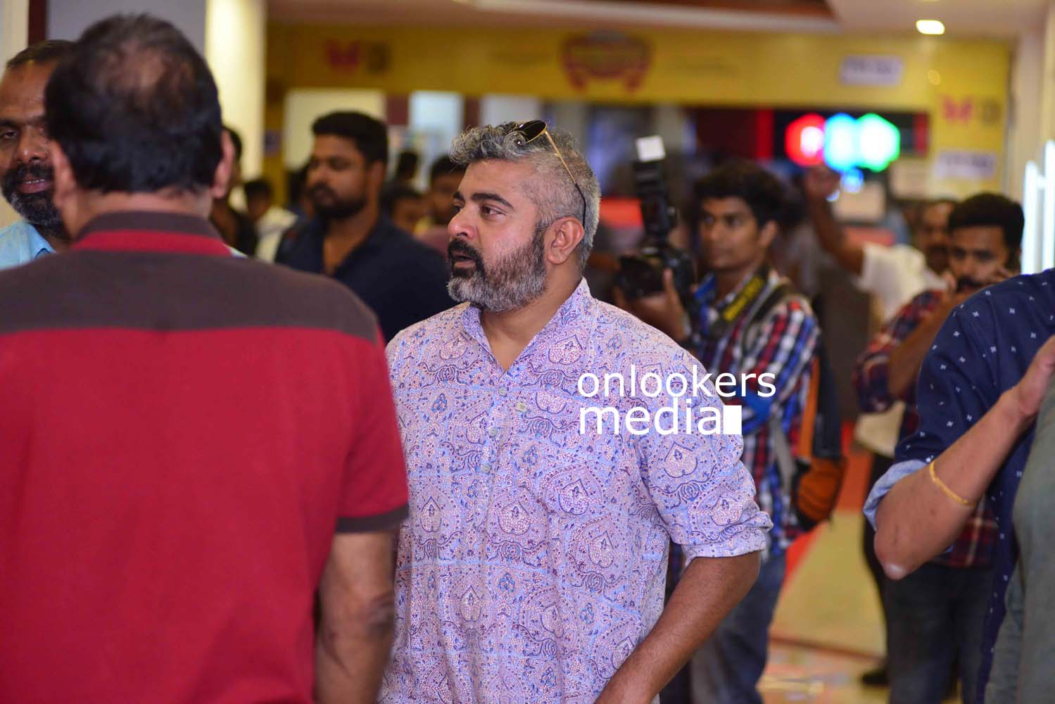 http://onlookersmedia.in/wp-content/uploads/2017/03/Angamaly-Diaries-Preview-Show-Stills-59.jpg