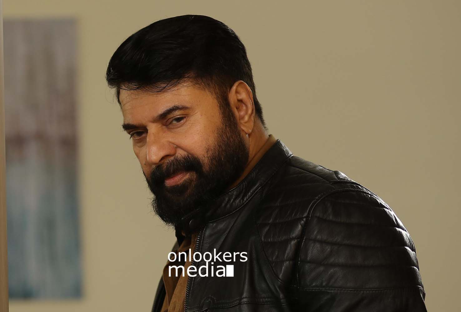 http://onlookersmedia.in/wp-content/uploads/2017/03/Mammootty-in-The-Great-Father-Stills-Photos-23.jpg