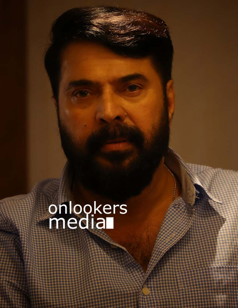 http://onlookersmedia.in/wp-content/uploads/2017/03/Mammootty-in-The-Great-Father-Stills-Photos-4.jpg
